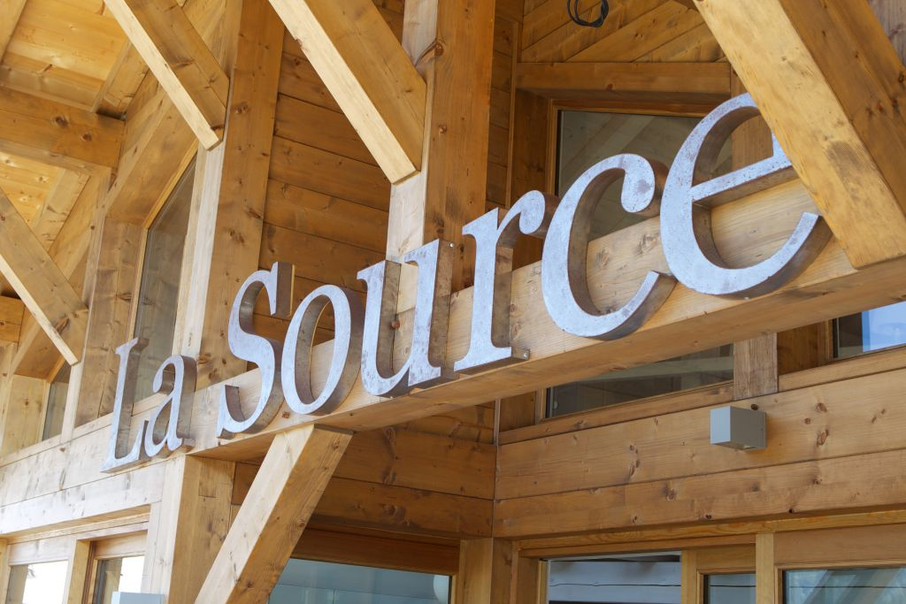 La Source Morzine 001